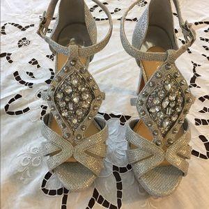New silver Gianni Bini Platform Women's Shoes